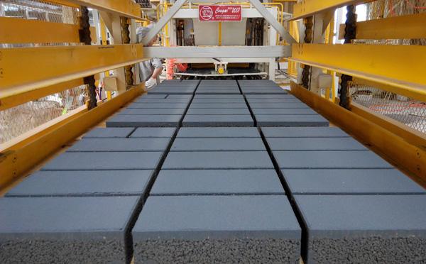 透水砖制砖机厂家揭秘关于透水砖的那些事儿