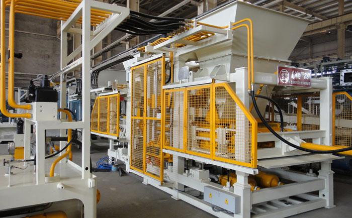 对混凝土砌块成型机进行基础动力分析的前提