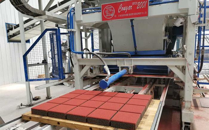 全自动透水砖机各类离合器的性能比较