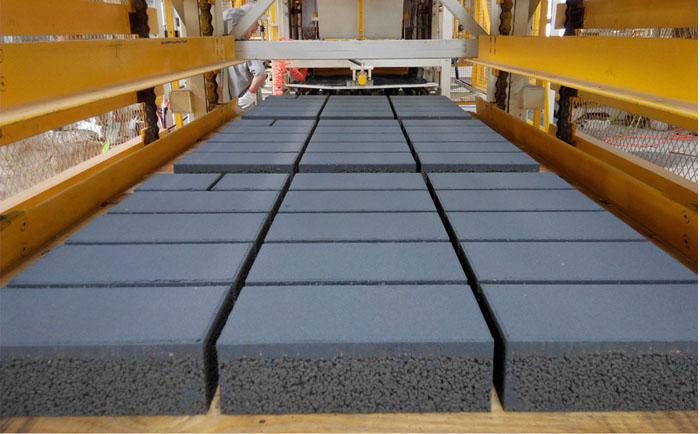 """透水砖制砖机厂家为您深度剖析""""透水砖""""的哪些事?"""