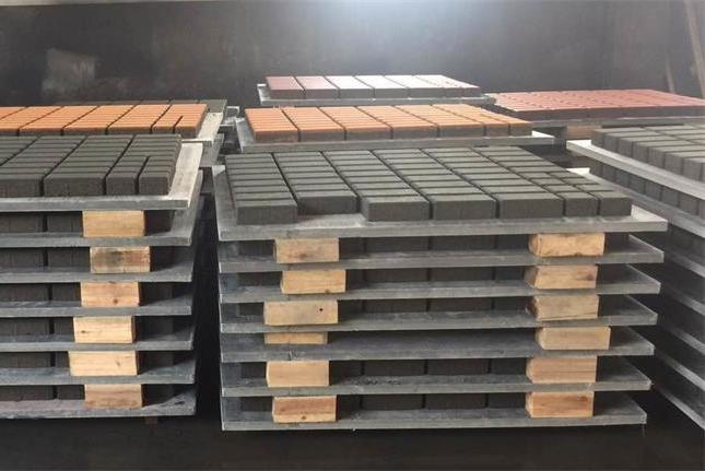 制砖机带动经济发展