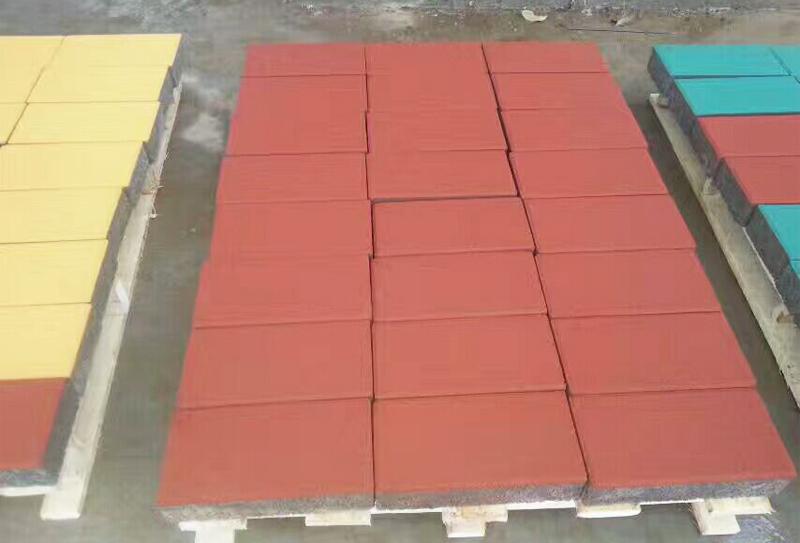透水砖砖机创新中谋发展