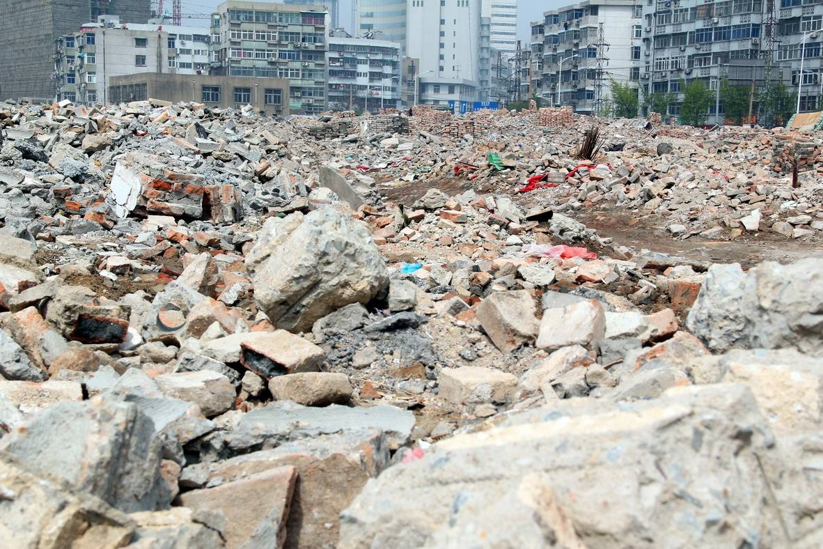 免烧砖设备生产线解决建筑垃圾,为环保贡献力量