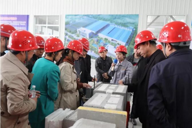 银马为客户提供的设备获得陕西省墙改办专家组的一致好评