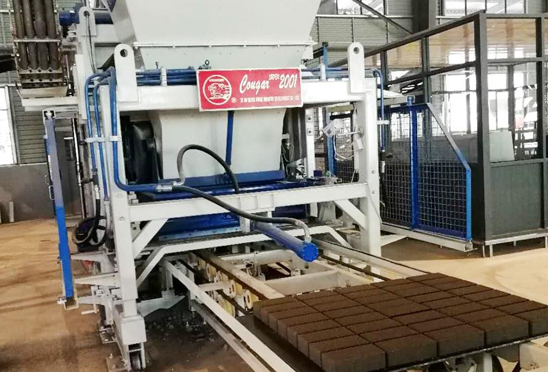 全自动透水砖砖机改进技术以后向更好的方向发展