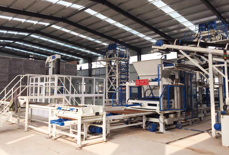 关于全套透水砖生产线设备及其维护原则