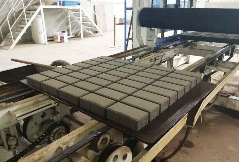 水泥砖制砖生产线如何实现废弃物循环再用