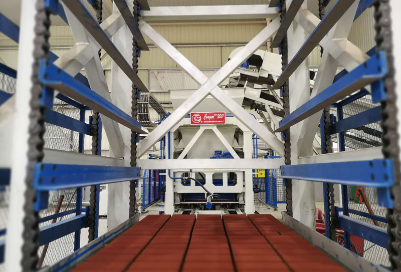 透水砖成套设备在夏季生产时需要做哪些防护措施