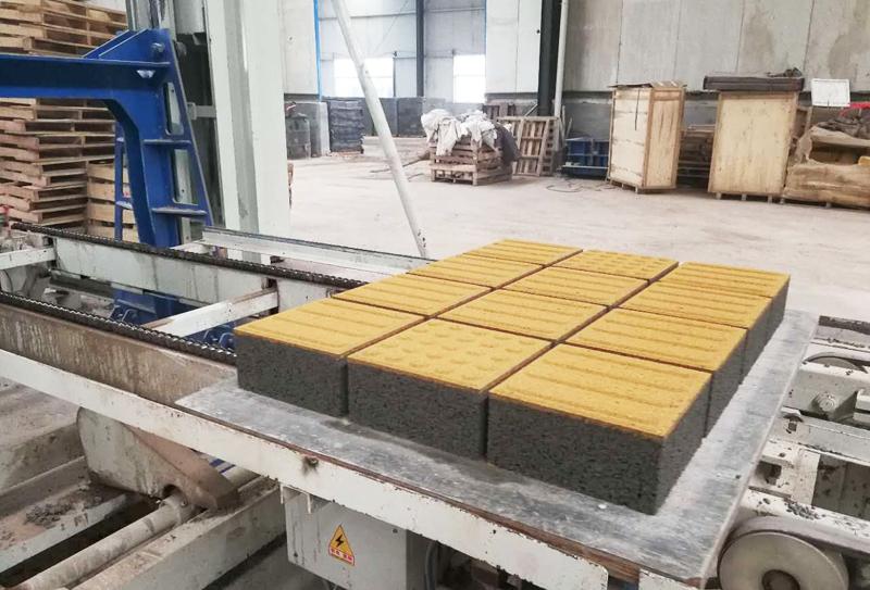 新型环保透水砖机器:轴承保持架主要用途有哪些?