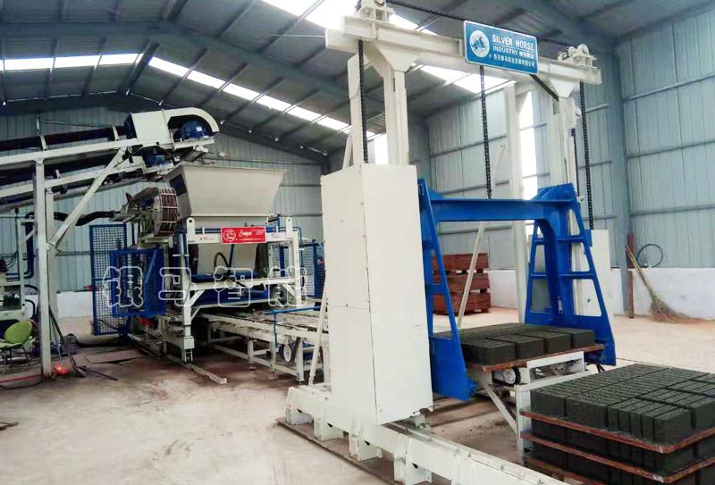 免烧砖制砖机器:皮带输送机两大驱动装置的优缺点