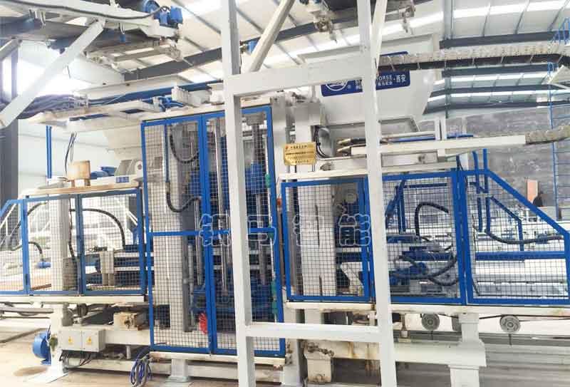 透水砖机生产透水砖原材料组成及配比技巧分享