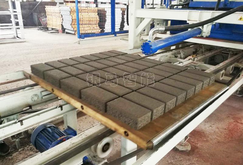 大型免烧砖设备:功能特点就是制品质量