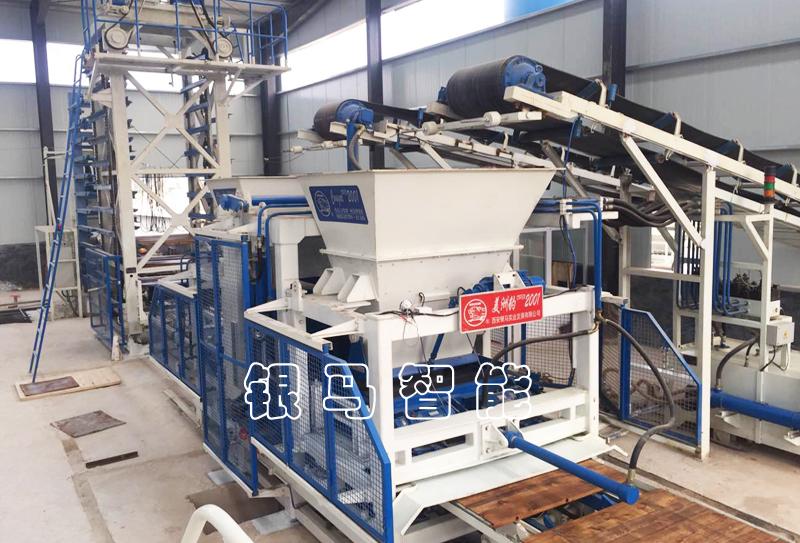 环保透水砖机生产线减少噪声的措施及原材料堆放事项分析