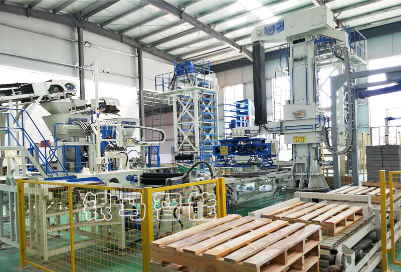 便道砖生产设备:透水砖机液压系统安装对人员的要求有哪些?