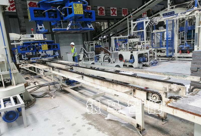 如何减少自动制砖设备砌块砖机在生产中的磨损?