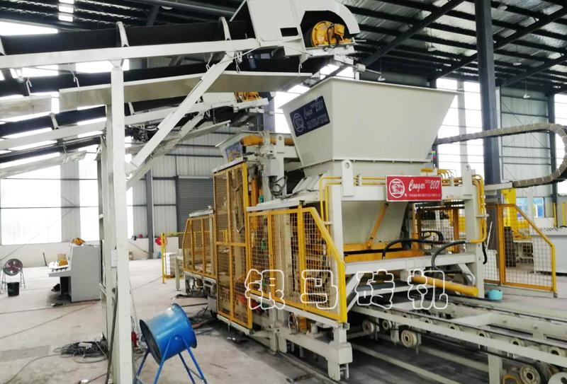 砌块砖机:脱硫石膏制砖机的拆卸是有目的性和原则性的!