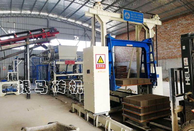 免烧砖机:水泥砖厂自动化设备正常生产不可避免的五个要求!