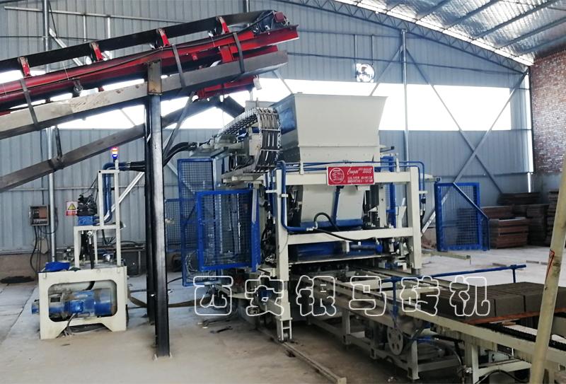 透水砖机设备:新建砖厂应了解哪些问题?
