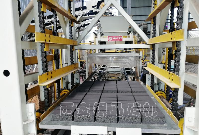 水泥砖机自动化制砖生产设备:生态城市怎么建?智能科技才能破题!
