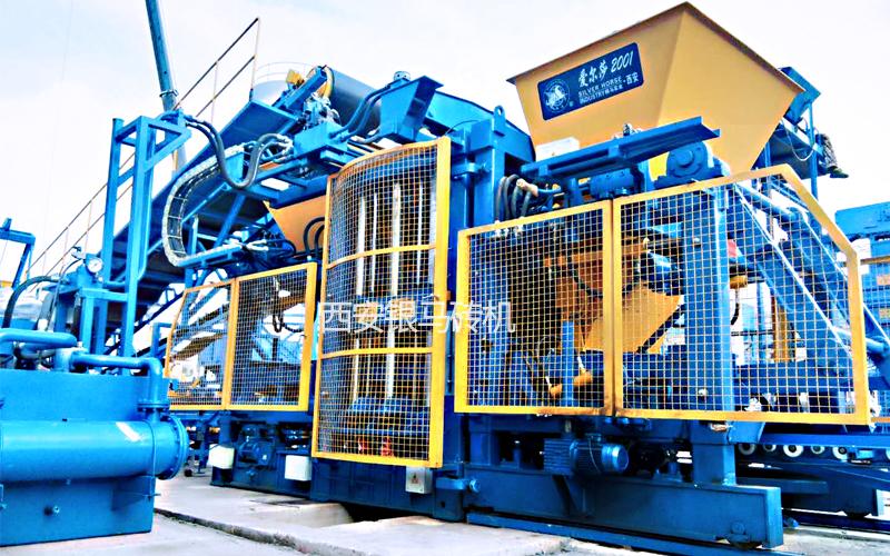 新型环保透水砖机器:拥抱年产值万亿规模的蓝海市场