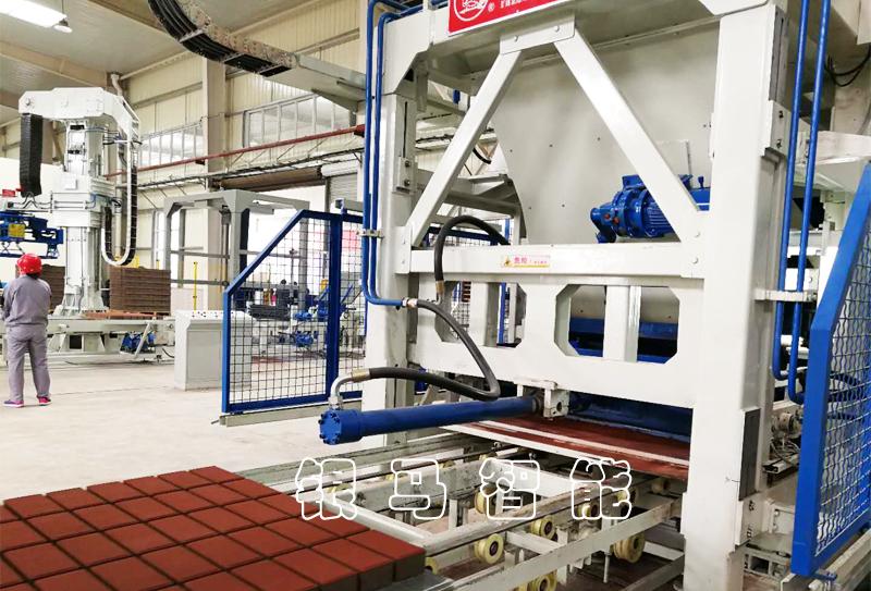 大型水泥环保砖设备轴承选择需要注意的问题及砖机型号分类